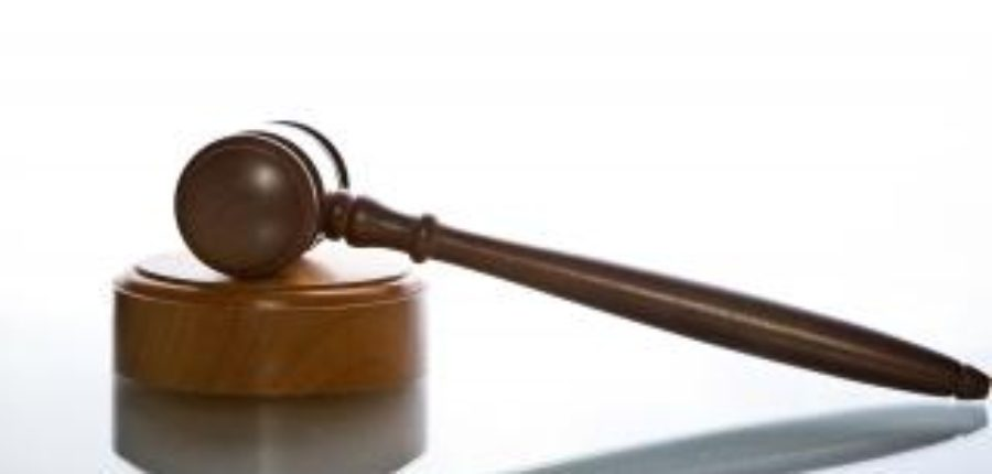 El Juzgado de lo Penal Número Uno de Cádiz nos da la razón y absuelve a nuestro cliente de un delito de realización arbitraria del propio derecho (art. 455 CP).